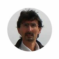 Dr-Rafael-Santamaria-ayuseduca